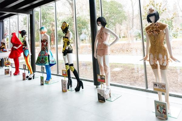 Maya Hansen en Biblioteca Eugenio Trías - Madrid es Moda
